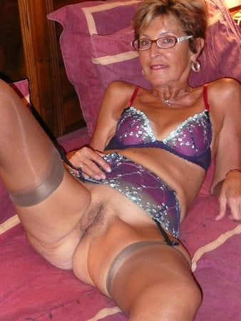 naked mom hd video gallerie